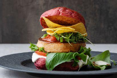 Kaakkurin Citymarket on varautunut pitkään ja kuumaan grillikesään – Katso viisi vinkkiä onnistuneeseen grilliruokaan ja herkullinen loimulohiburgerin resepti