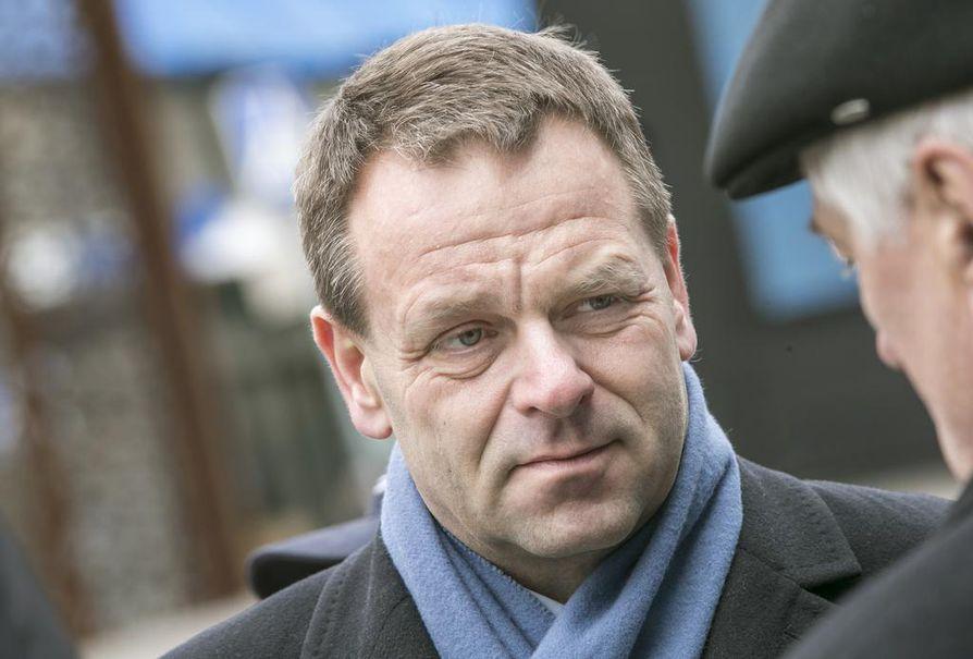 Elinkeinoministeri Jan Vapaavuori vieraili tiistaina Oulussa