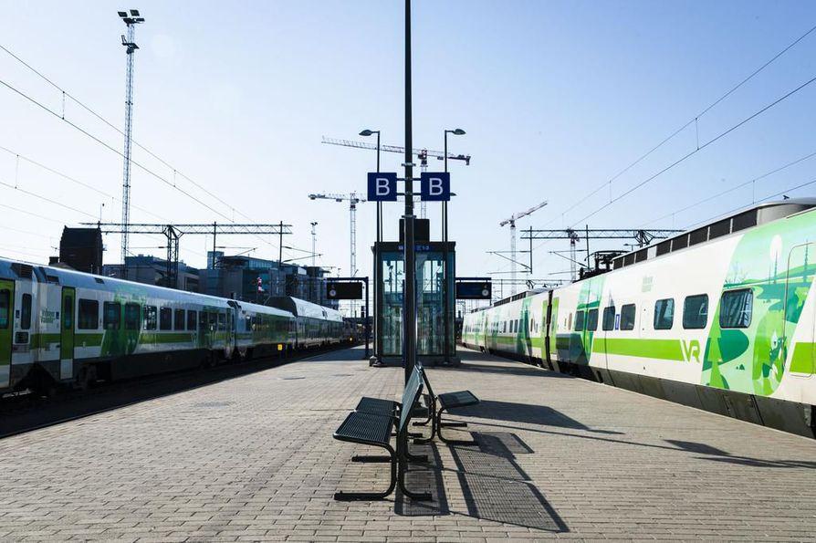 Rautatieläiset valmistautuvat tukilakkoon Postin työehtokiistassa.