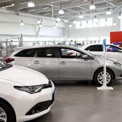 Toyotaa ja Lexusta myyvällä Juhan Autolla yt-neuvottelut automyynnissä – vähennystarve enintään viisi henkilötyövuotta