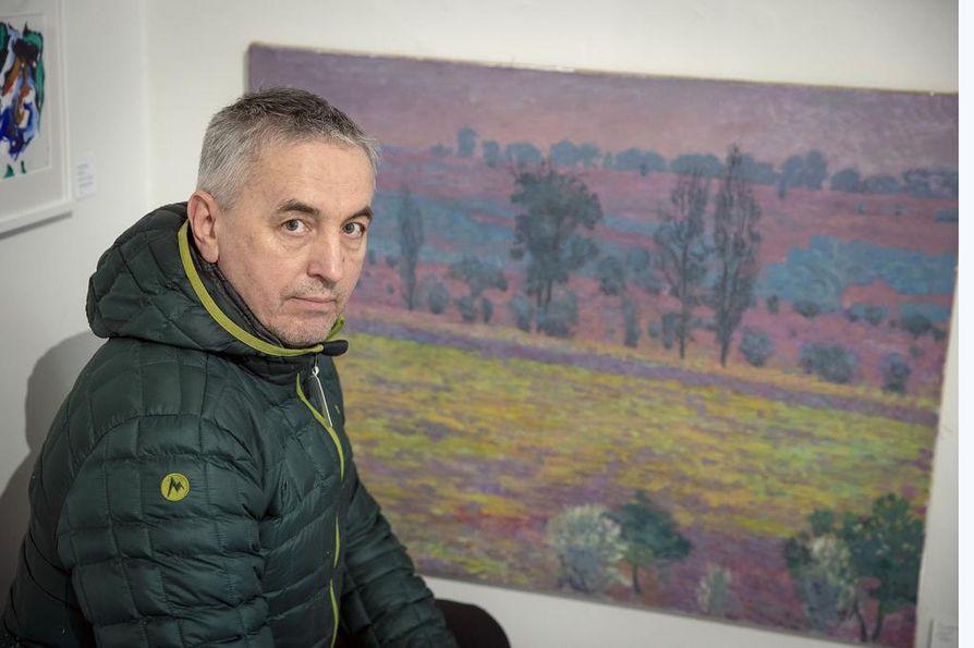 Etelä-Ukrainasta kotoisin oleva, sittemmin oululaistunut kuvataiteilija Vasili Reskalenko osallistuu Oulun Taiteilijaseuran taidemyyntitapahtumaan muun muassa teoksellaan Aro (öljy, 2019).
