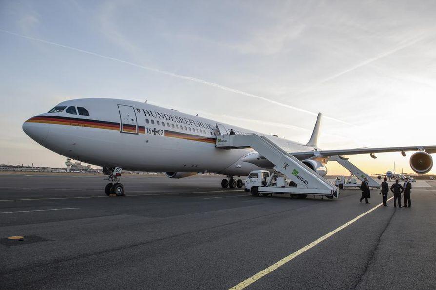 Saksan hallituksen käyttöön varustettu Airbus A340 joutui viikko keskeyttämään alkuunsa lennon Buenos Airesiin teknisen vian vuoksi.