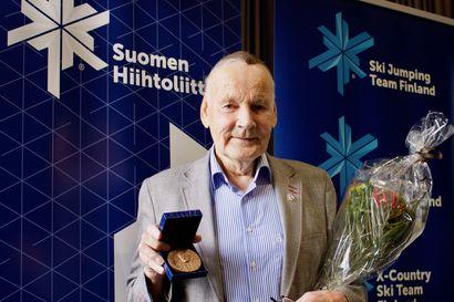 """Hiihtoliiton Hannu Koskivuori -mitali Immo Kuutsalle: """"35 vuotta siinä meni"""""""