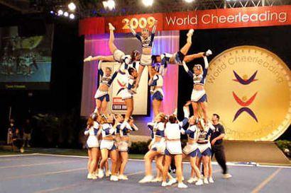 Diamondsien rohkeus palkittiin cheerleadingin MM-hopealla