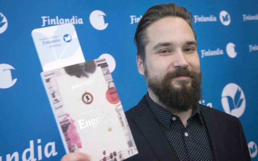 Jukka Viikilän esikoisromaani Akvarelleja Engelin kaupungista voitti tämän vuoden Finlandia-palkinnon.