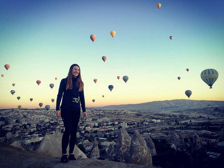 Göremen kansallispuisto Turkissa oli hieno kokemus. Kannattaa herätä aikaisin katsomaan auringon nousu ja kuumailmapallot.