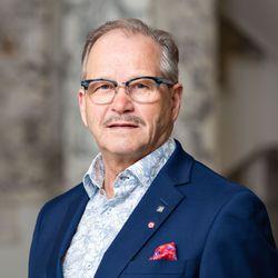 Eduskunnasta Raimo Piirainen: Yhdessä talous kasvun tielle