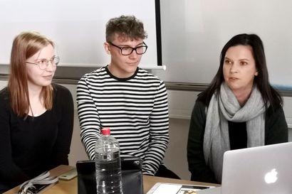 Ylitornion lukio soitti Etelä-Afrikkaan – opiskelijat pääsivät haastattelemaan vapaustaistelija Denis Goldbergiä