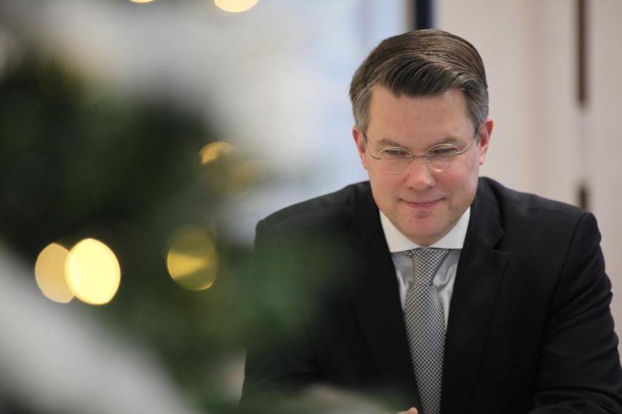 Fennovoima on pystynyt lähettämään Säteilyturvakeskuksen (STUK) arvioitavaksi vasta noin 20–25 prosenttia tarvittavasta aineistosta, Fennovoiman toimitusjohtaja Toni Hemminki kertoo.