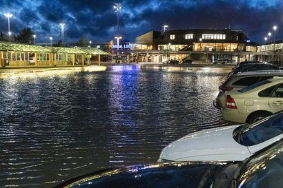 """Itämeressä on nyt paljon vettä, ja siksi rannikkotulvat syntyvät helposti – """"lähtötaso"""" on tavalliseen helmikuuhun verrattuna puoli metriä plussalla"""