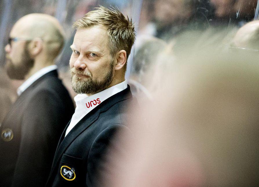 Mikko Manner vie joukkueensa ennakkosuosikkina perjantaina alkavaan liigakauteen.