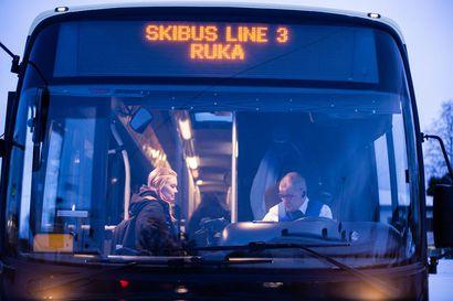 Nyt SkiBussin ajot näkee reaaliajassa – Rukan SkiBus Live -palvelun pilotointi jatkuu