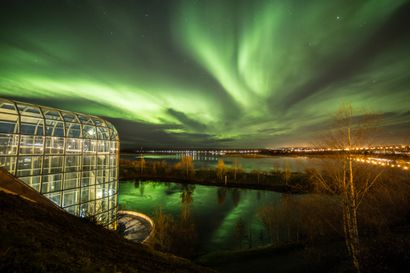 Arktikumin lasiputki valaistaan tiistaina: Korundi ja Arktikum ovat avoinna toistaiseksi, mutta korona voi muuttaa tilannetta
