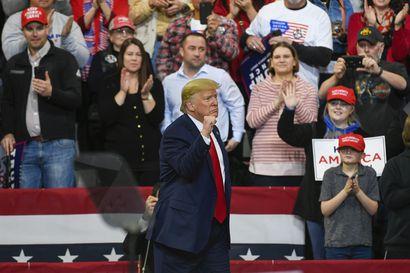 Ainakin kaksi republikaania äänestänee todistajien kutsumisen puolesta, mutta se ei vielä riitä – Trump-oikeudenkäynti voi olla ohi jo tänään