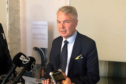 Perustuslakivaliokunta saattaa jo tiistaina päättää, joutuuko Haavisto poliisitutkintaan al Holin -leirin suomalaisten kotiutusjupakassa