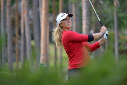 Kiira Riihijärvi taisteli vaikeuksien jälkeen jatkopaikan maailman parhaiden golfamatöörien kisassa – lauantaina odottaa päätöskierros legendaarisella Augusta Nationalin kentällä
