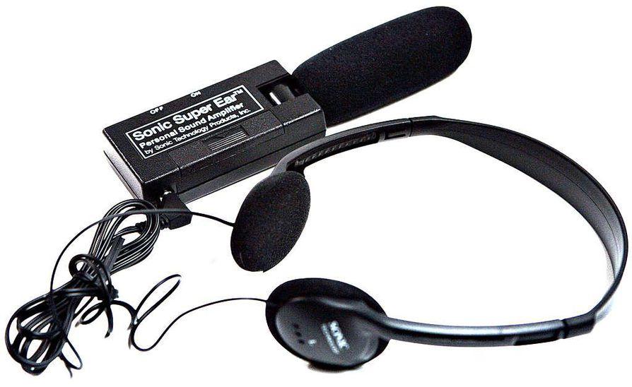 Ositin tutkijioden työvälineisiin kuuluu muun muassa mikrofoni ja kuulokkeet.
