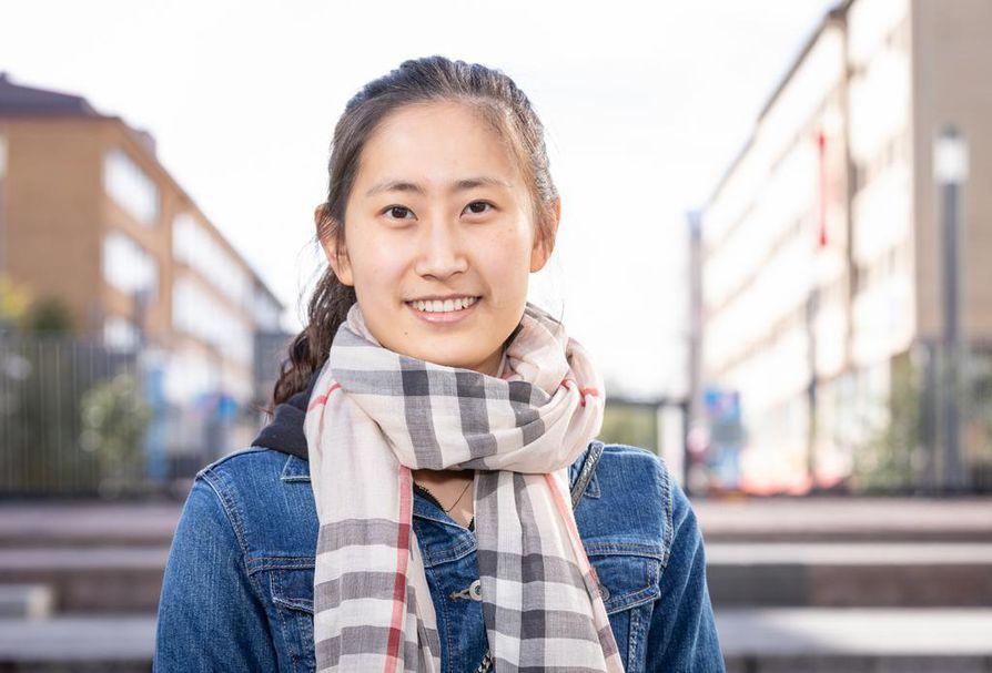 Kiinalainen Yini Wang valitsi Suomen, koska maassamme on edullista opiskella ja maailman paras koulutusjärjestelmä.