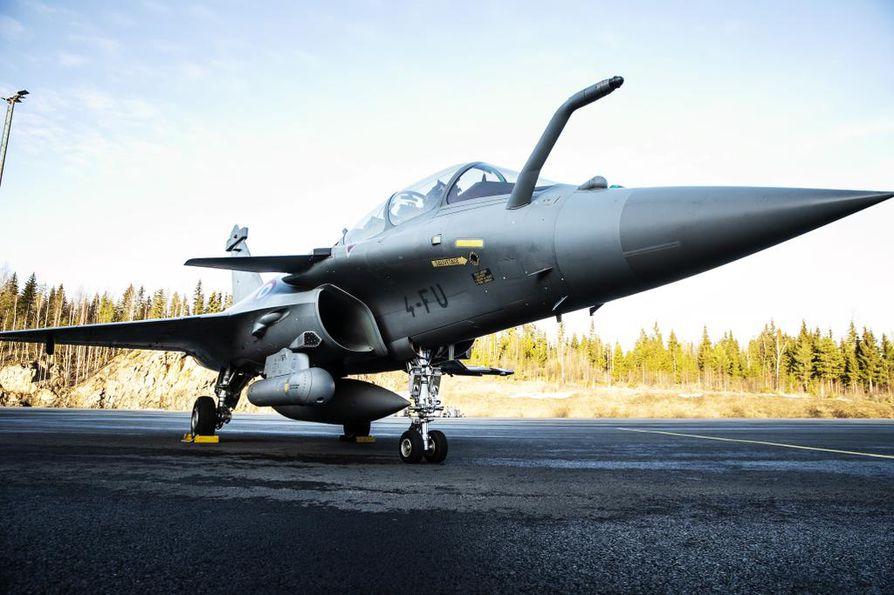 Rafalea on käytetty sotaoperaatioissa Afganistanissa, Irakissa, Syyriassa, Libyassa sekä Länsi-Afrikassa Malissa. Tiistaina konetta esiteltiin toimittajille Satakunnan lennoston tukikohdassa Pirkkalassa.