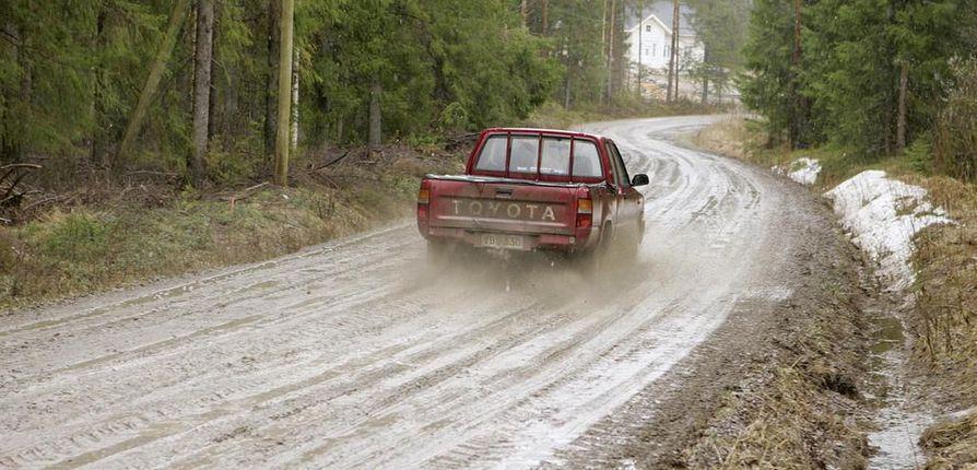 Suomessa on yksityisteitä on noin 360000 kilometriä. Se pitää sisällään myös metsäautotiet. Arkistokuva.