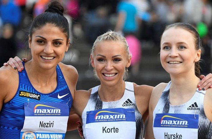 Nooralotta Neziri, Annimari Korte ja Reetta Hurske ovat Suomen edustajat pika-aidoissa.