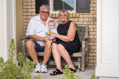 Suomalaisnainen muutti Kalifornian pahimpaan tautipesäkkeeseen – Pirkko Satola-Weeres, 64, kertoo arjesta konservatiivisessa piirikunnassa, jossa koronaa ei nähdä suurena uhkana