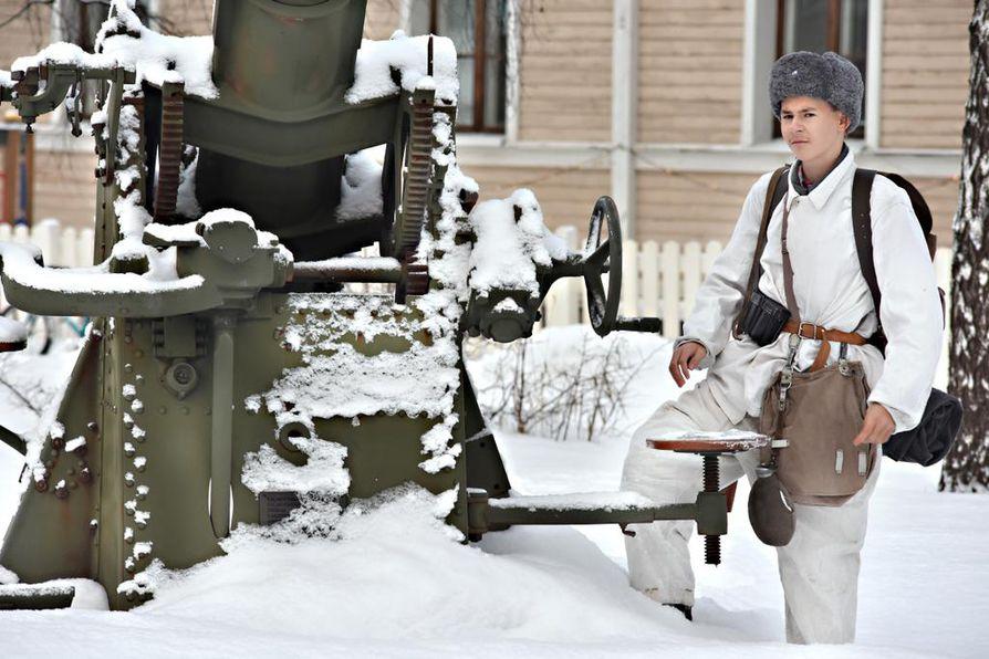 Viime vuonna Santeri Innanen löysi itselleen Suomen armeijan lumipuvun, jota on käytetty uusimman Tuntematon sotilas -elokuvan kuvauksissa.