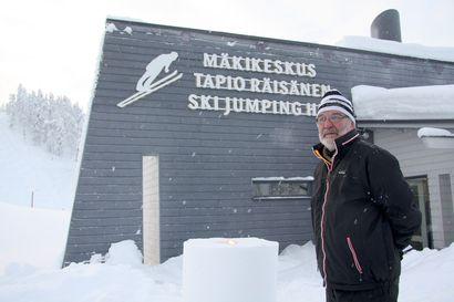 Yhä mukana mäkihypyssä – Taivalkosken Kuohun mäkijaoston sihteerinä toimiva Tapio Räisänen on edelleen mukana hänelle rakkaassa lajissa