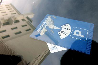Nämä ovat viisi yleisintä syytä yksityisen pysäköintifirman Oulussa autoilijoille antamiin valvontamaksuihin