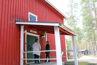 Museovirastolta avustusta Pudasjärven kotiseutumuseolle – viljamakasiinin sisävalaistuksen uusiminen jatkuu kesällä