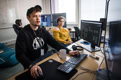 Pelaa vaaria koulumatkalla tai huoltorobottia avaruudessa – Kesäpeliopinnoissa luodaan tiimeissä toimivia PC-seikkailupelejä Rovaniemellä ja Torniossa