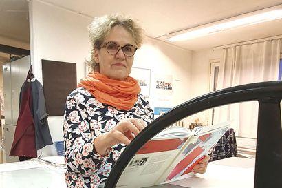 """Suomeen palannut kuvataiteilija Liisa Kitinprami: """"Teen hoitajan työtä koronan etulinjassa"""""""