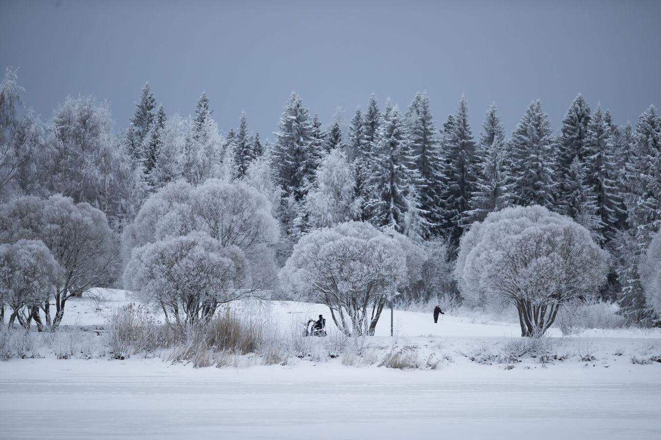 Rantalakeuden TET-harjoittelijat Anni ja Kaisa kuvasivat talvista tunnelmaa Limingassa