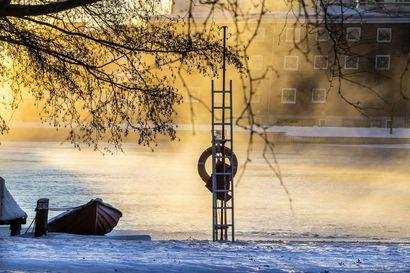 Pakkanen ja pureva tuuli tekivät Oulun keskiviikosta kylmän – katso komeat pakkaskuvat!
