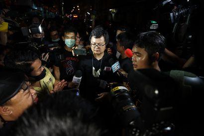 Thaimaalaiset uskaltavat nyt vaatia kaduilla monarkian uudistamista