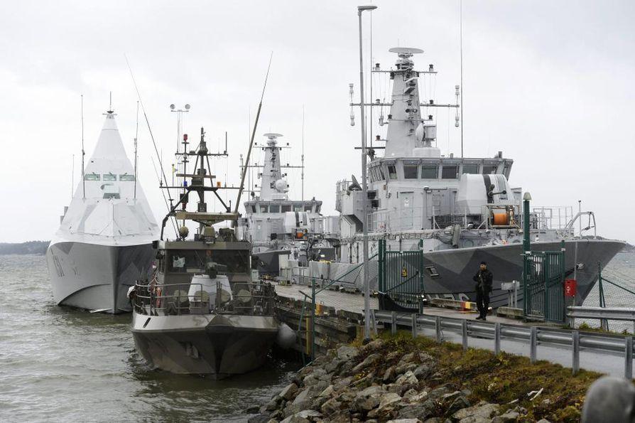 Tukholman saaristossa on etsitty usean päivän ajan sukellusvenettä.