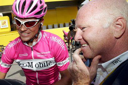 Veripusseja maitotölkeissä, dopingaineita Cokis-tölkeissä – entinen pyöräilypomo paljasti Tour-voittajan dopingkikkoja
