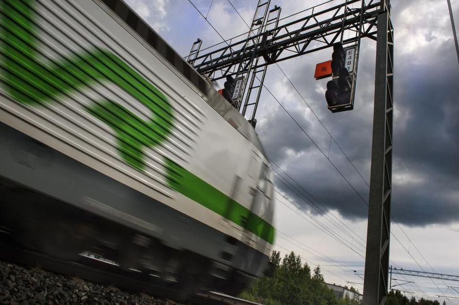 Junamatkustustuksen suosio kasvoi elokuussa yhteensä 10 prosenttia suhteessa viime vuoteen.