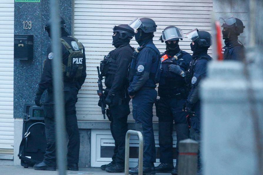 Kuva poliisin ratsiasta Brysselissä alkuviikosta.
