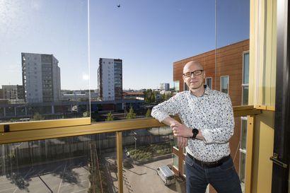 Oululla oli omat kovat hiilineutraaliustavoitteet ennen kuin uusi hallitus pisti vielä kovemmaksi–Oulun asemakaavapäällikkö Kari Nykänen tutki väitöskirjassaan ilmastonmuutoksen vaikutuksesta kaavoitukseen
