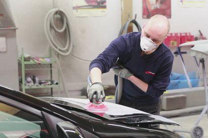 Miltä näyttää automaalaamon arki? Kurkista automaalarin yllättävänkin siistiin työnkuvaan