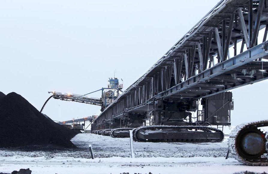 Sotkamossa sijaitsevan Terrafamen monimetallikaivoksen on tarkoitus käynnistää muiden metallien sivutuotteena saatavan uraanin talteenotto. Viranomaisprosessi on valmis, enää tarvitaan valtioneuvoston myönteinen päätös, jonka tekemisessä on turha vitkutella.