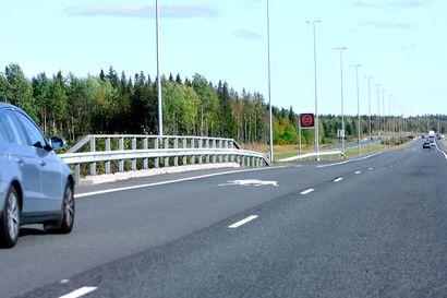 Autoilijat hurjastelivat rajuilla ylinopeuksilla Kemi–Tornion moottoritiellä lauantaina, kaikki kuskit ajokieltoon