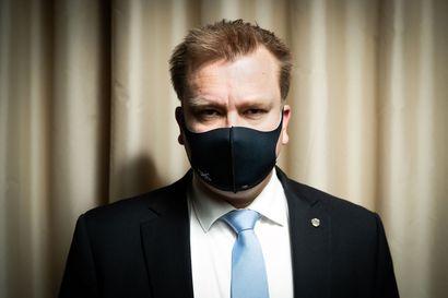 Puolustusministeri Kaikkonen: Tuskin enää laajoja alueiden eristyksiä – valmius virka-apuun silti olemassa