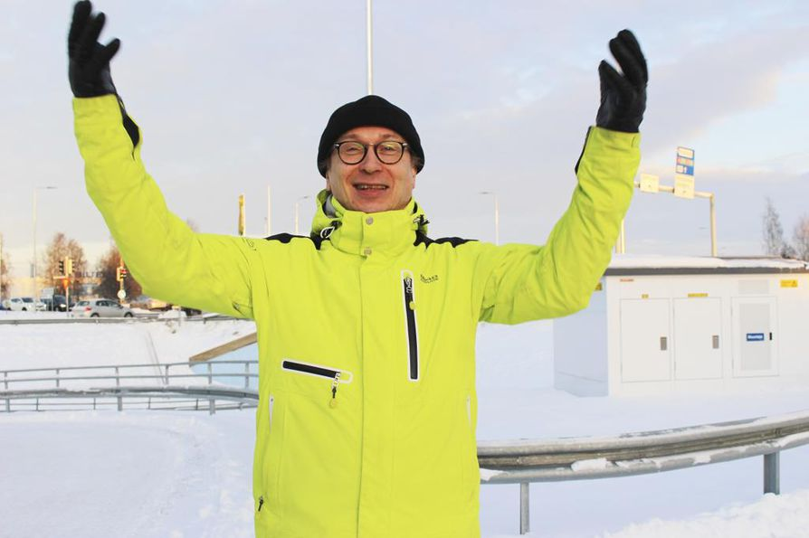 Juha Maalismaa on opiskellut useita kieliä ensin omatoimisesti, koska alkeiskurssilla edetään hänen mielestään yleensä liian hitaasti.