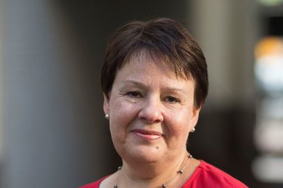 """Kansliapäällikkö Varhila: """"Vielä ei näytä siltä, että Suomessa on lisääntyvää tehohoitopiikkiä"""" – Kymmenkunta ihmistä tällä hetkellä sairaalahoidossa"""