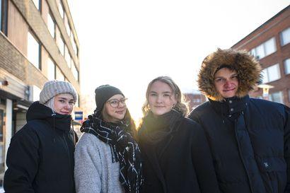 Kuuntele Vasan podcast: Ylioppilaskirjoitukset lannistavat ahkerimmankin opiskelijan – Kirjoitusten lähestyessä abien paineet kasvavat äärimmilleen