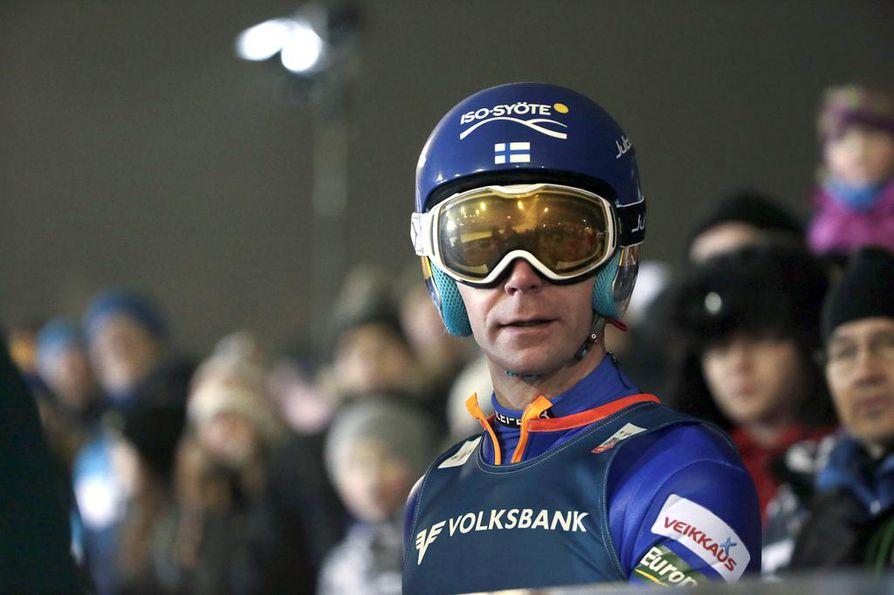 Janne Ahonen ja muut mäkihyppääjät aloittavat normaalimäen karsinnalla torstaina.