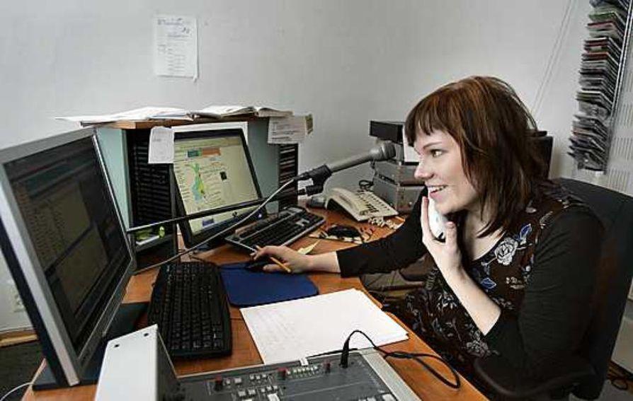 Radio Pookilla on toimitukset sekä Raahessa että Oulussa, jossa työskentelee ohjelmapäällikkö Kati Juntunen.