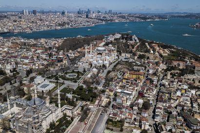 Turkissa koronatartuntamäärät nopeassa nousussa – asukkaiden pysyttävä sisällä 48 tuntia